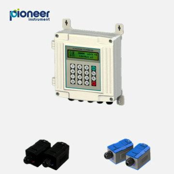 Abrazadera de montaje en pared en medidor de flujo de transductor ultrasónico