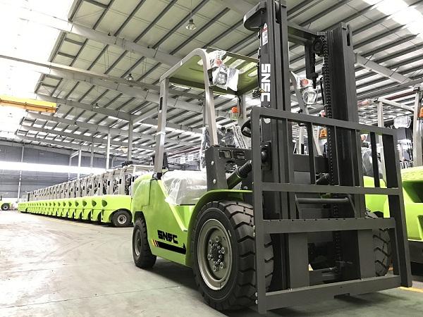 Empilhadeira 4 ton