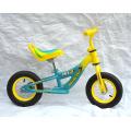 Bicyclette d'équilibrage des pneus pneumatiques de 12 po