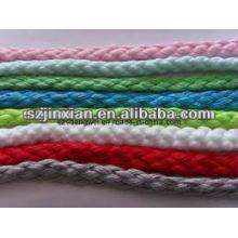 cordón utilizado para tejer a mano