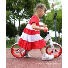 voiture à deux roues de course de vélo d'équilibre pour enfants sans pédale
