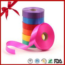 Ruban de curling décoratif en polyester rouge de Noël pour ballon