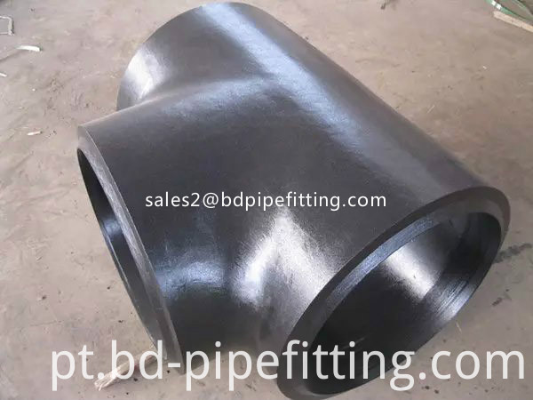 Alloy pipe fitting (503)