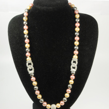 Long collier de perles en vrac
