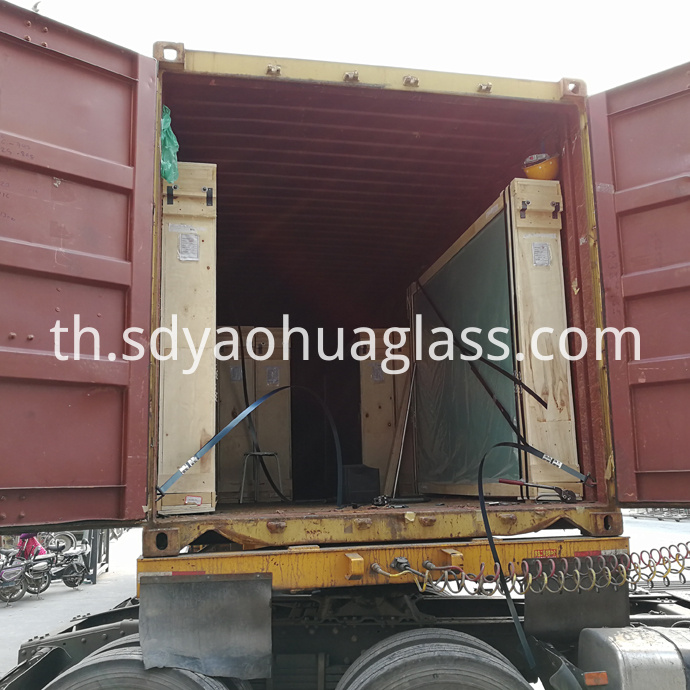 Tempered Glass Container Loading