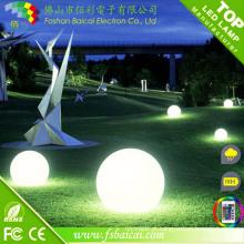 Bola do jardim da iluminação / bolas exteriores da decoração / bolas plásticas do diodo emissor de luz