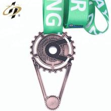 2018 Shuanghua logo promotionnel personnalisé médaille en métal avec ruban