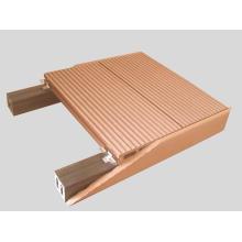 Pisos impermeables de la cubierta de WPC de la piscina del fabricante de calidad constante