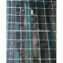 China feuerte eingetauchten galvanisierten eingehängten Knoten geschweißten Drahtzaun