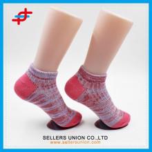 Женские полиэфирные тонкие хлопчатобумажные носки оптом