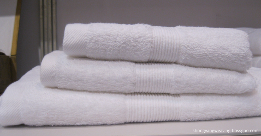 white color hotel towel set
