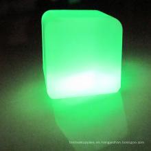 ¿Iluminación LED moderna de plástico brillante cubo de hielo?