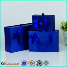 Customized+Paper+Gift+Packaging+Box+For+Clothes