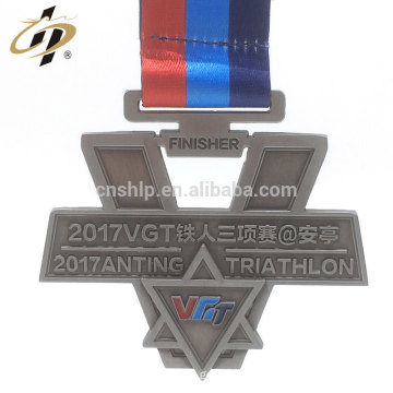 Factory price custom raised logos metal triathlon medals with ribbon