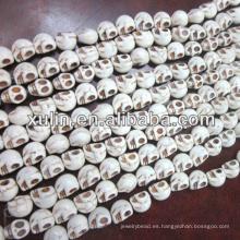 granos sintéticos del cráneo del howlite del polvo blanco turquesa al por mayor más baratos