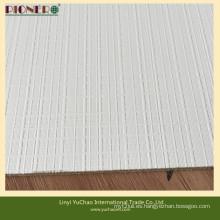 Color Blanco Poliéster Madera con superficie texturizada