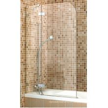 Panneau de douche à écran de douche simple sur baignoire