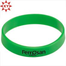 Grünes Silikon-Armband für Erwachsene mit Schrift