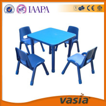 테이블 및의 자 아이 들을 위한 설정
