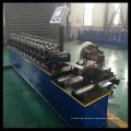 Garagentor-Rollladenrolle, die Maschine bildet