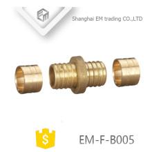 EM-F-B005 Conexión de tubo de unión macho de latón
