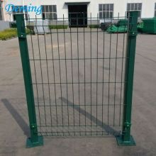 PVC Coated Wire Mesh Fence med Square Post