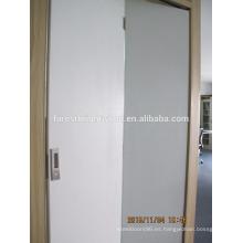 Puertas blancas pintadas en blanco