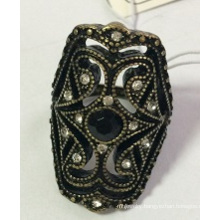 Retro Lace Metal Ring with Gem