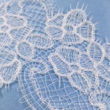 Ribete de encaje de tela de ojete blanco nieve