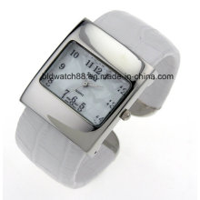 Stylish Square Case Women′s Bangle Wrist Watch