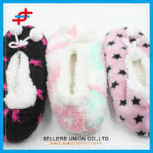 2015 various pattern latest fashion cheap girls winter soft winter warm indoor socks