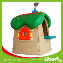 Kinder spielen Haus LE.WS.005