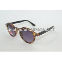 Tatoo redonda quadro safari óculos de sol