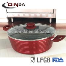 Metallica couleur rouge et casserole de revêtement en marbre avec couvercle