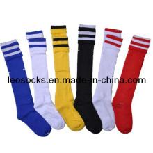 Kundenspezifische Logo-Baumwollfußball-gestreifte Socken im heißen Verkauf