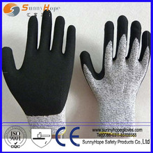 Latex coated cutting protection glove