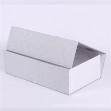 Geschenkpapierkasten der silbernen Folie kosmetisches Fluten