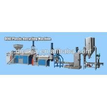 Plastikwiederverwertungsmaschine des Plastiks 2013 heiße; Haustierflaschen-Flocke CER / ISO9001