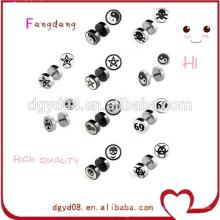 Body piercing bijoux plus récent en gros personnalisé boucles d'oreilles boucles d'oreilles logo boucles d'oreilles