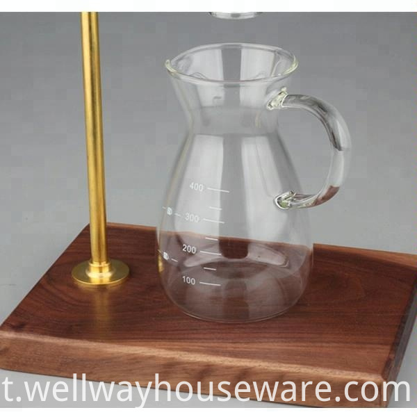 The Glass Coffee Maker With Scale