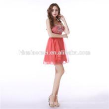 Señoras nupciales corto vestido de fiesta con cuentas rojas Halter Backless vestido de novia por la noche