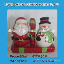 Lovely Navidad cerámica sal pimienta agitador conjunto