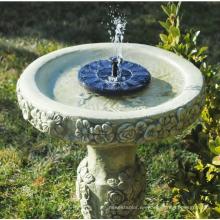 fuente de agua solar al aire libre