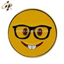 Personalizado ouro atacado macio esmalte metal sorriso emoji lapela pinos