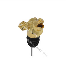 Gold Plating Pig Wine Pourer with FDA/SGS Approval