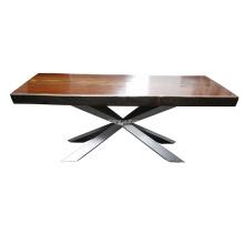 Mesa de jantar de madeira de Spyder por Philip Jackson