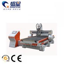 Holztürschneid- und Graviermaschine