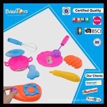 Colorido, criança, brinquedo, plástico, jantar, jogo, utensílios de mesa