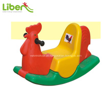 Cavalo de plástico de crianças para interior