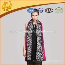 2015 Mais recentes Kashmiri-Shawls para o design de leopardo tingido de fios por atacado adequado para mulheres no inverno